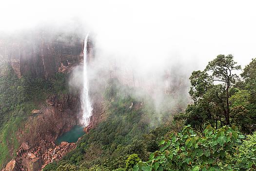 Mahesh Balasubramanian - Nohkalikai Falls, Cherrapunji, Meghalaya, India