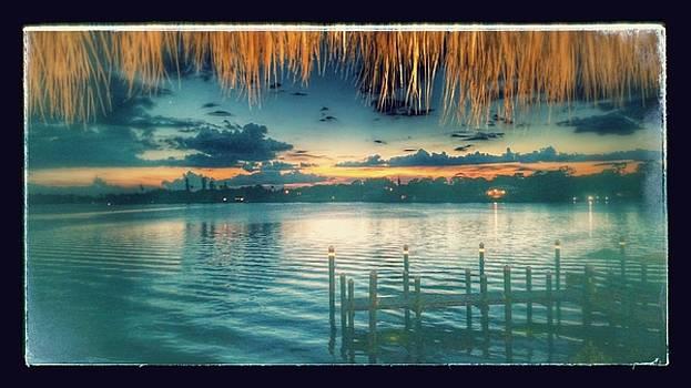 Nokomis Sunset by Elaine Haakenson