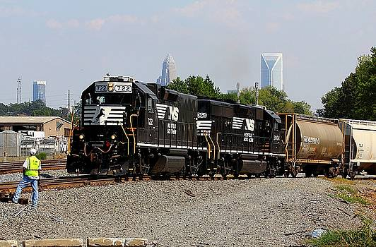 Norfolk Southern 722 by Joseph C Hinson Photography