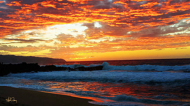 North Shore Sunset by Stephen Fanning