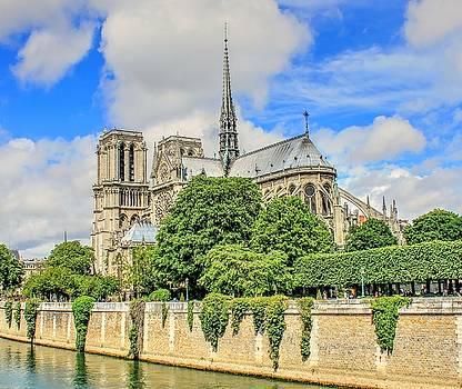 Notre Dame de Paris by Maria Preibsch