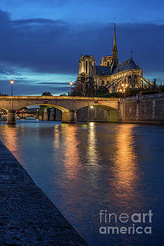 Vyacheslav Isaev - Notre Dame de Paris vertical