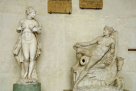 Reimar Gaertner - Nude female marble scultpures by Francesco Camilliani from Paler