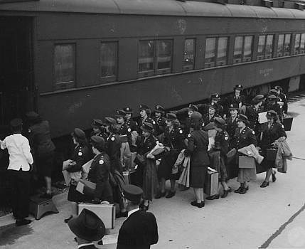 Chicago and North Western Historical Society - Nurses Climb Aboard Chicago and North Western Train at Camp McCoy - 1945