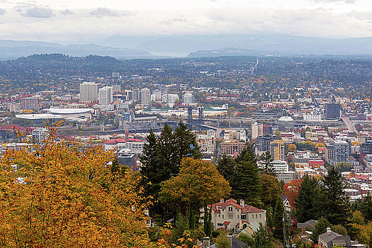 NW and NE Portland Cityscape during Fall Season by Jit Lim