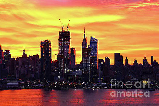 Regina Geoghan - NY Skyline Autumn Hued Sunrise