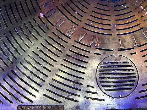 NYC Grate by Lola Connelly