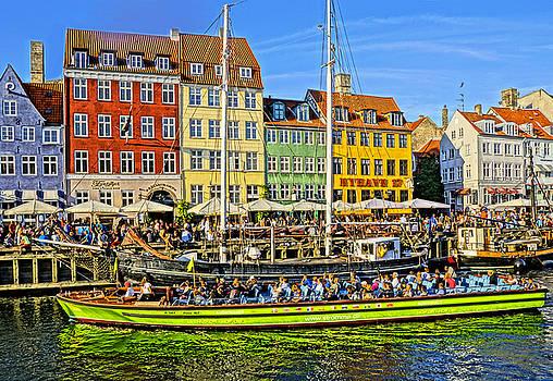 Dennis Cox WorldViews - Nyhavn Tour Boat