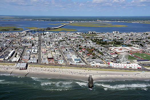 Ocean City Boardwalk 2 by Dan Myers