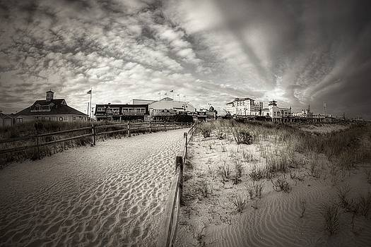 Ocean City bw by John Loreaux