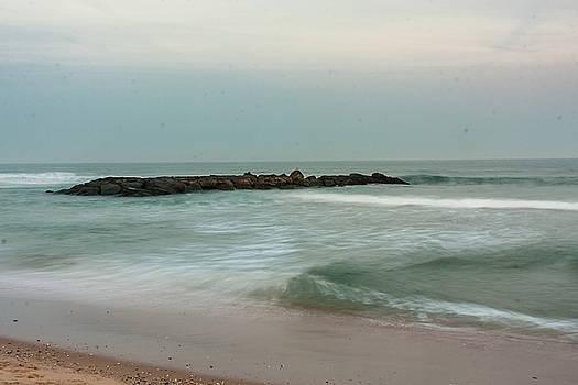 Ocean flow 2 by Kathleen McGinley