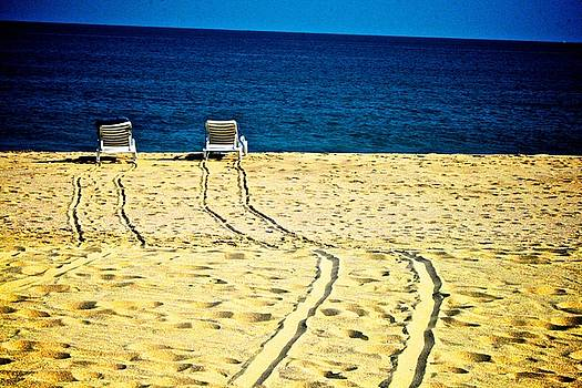 Ocean Front Row by Matthew Keoki Miller