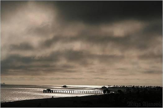 Ocean Glow 2 by Mirza Ajanovic