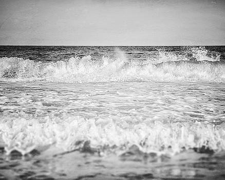 Lisa Russo - Ocean Spray in Black and White