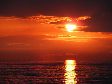 Ocean Sunset by Roger Smith of Cowes