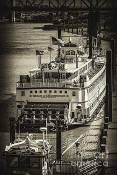 Bob Phillips - Ohio River Boat 4