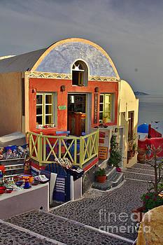 Oia Pub by Jeremy Hayden