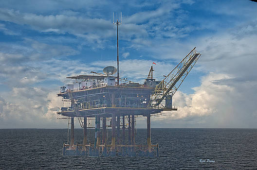 Oil and gas platform in the Gulf of Mexico by Bill Perry