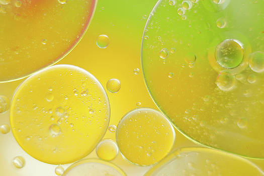 Oil and water bubbles  by Andy Myatt