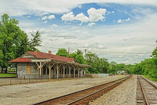 Old Abandoned Train Depot by Barry Fowler
