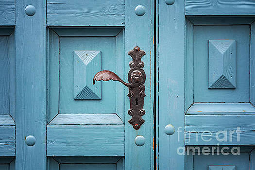 Sophie McAulay - Old blue door