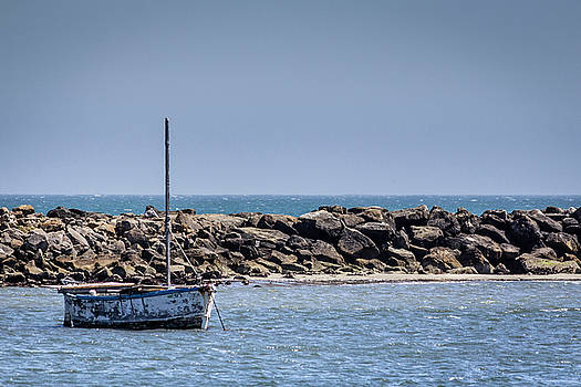 Old Boat by Randy Bayne