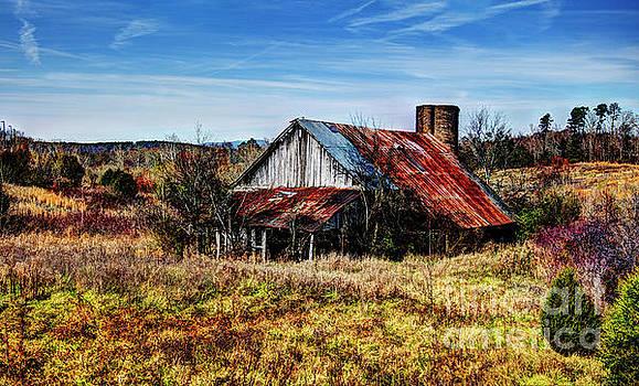 Old Buttermilk Road Barn by Paul Mashburn