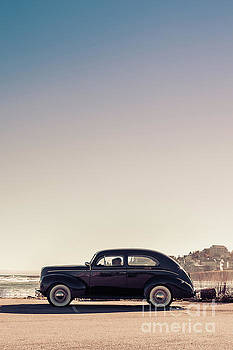 Old car at the beach by Edward Fielding