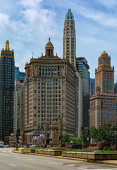 Old Chicago by Dennis Reagan
