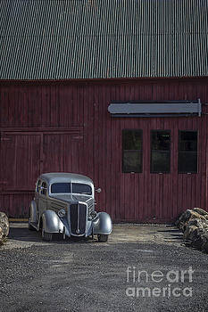Edward Fielding - Old Classic Car at the Barn