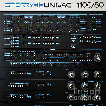 Edward Fielding - Old Classic Early Computer Sperry Univac 1100/80