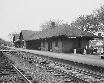 Chicago and North Western Historical Society - Old Depot in Glen Ellyn Illinois - 1960