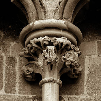 Jacek Wojnarowski - Old English Gothic Column Capital A