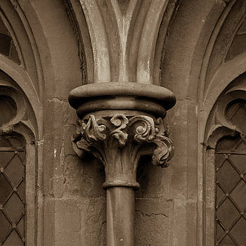 Jacek Wojnarowski - Old English Gothic Column Capital D