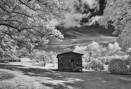 Old Farm Shed  by Paul Seymour
