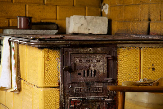 Old Fashion Country Stove by Fedil
