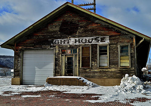 Old Freight House by Susie Loechler