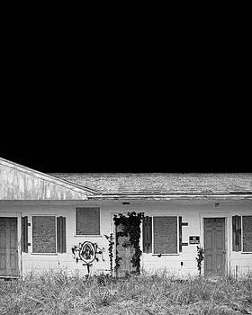 Old Motel, Cape Cod by Brooke T Ryan