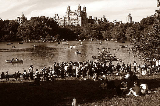 Peter Potter - Old New York Photo - Central Park Lake