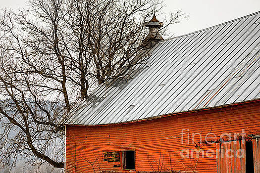 Old Red Barn Quechee Vermont by Edward Fielding