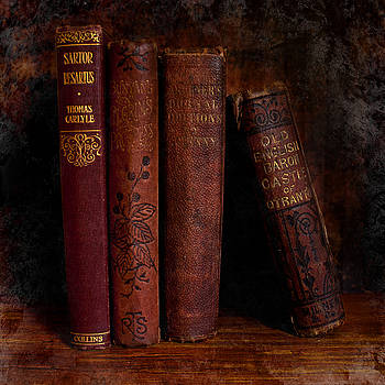 Bamalam  Photography - Old Red Books