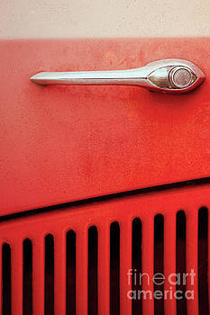 Benjamin Harte - Old red car