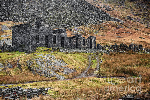 Old Ruin at Cwmorthin by Adrian Evans