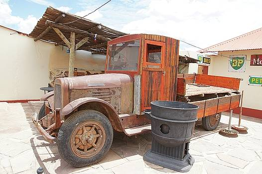 Old Truck by Jaqueline Briel