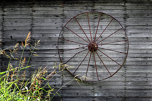 Old Wagon Wheel by Earl Carter