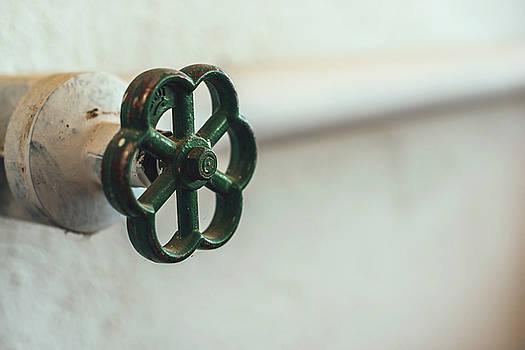 Eduardo Huelin - old water valve