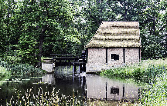 Compuinfoto   - old watermill in Holland
