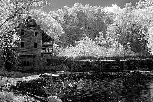 Old Wood Mill Louisa VA by Paul Seymour