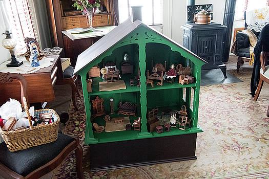 Old World Dollhouse by Jayne Gohr