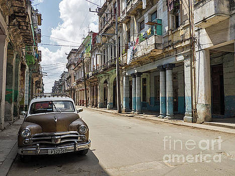 Oldtimer in Havanna by Sven Fauth
